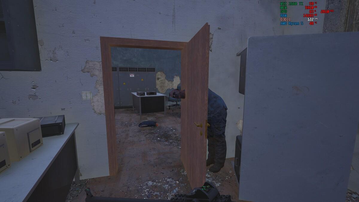 Mit dem Kopf durch die Wand, ach nee Tür...^^